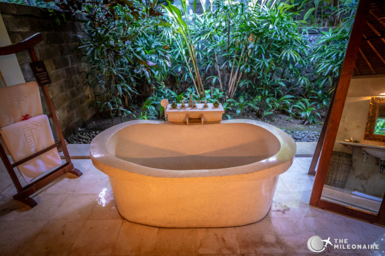 plataran canggu bathtub