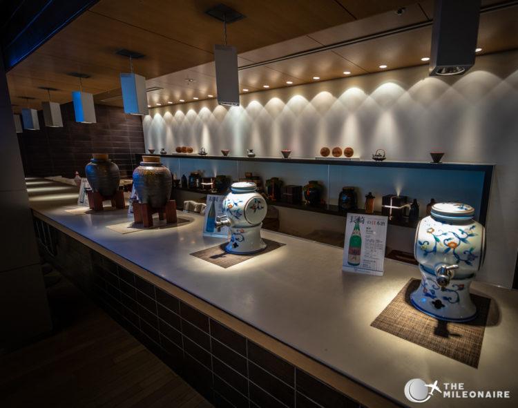 ana lounge tokyo sake