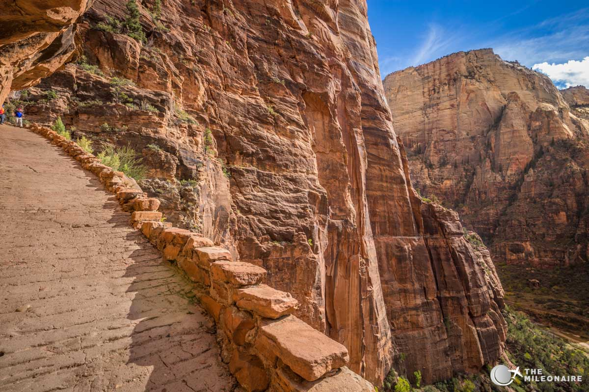 angels landing hiking path