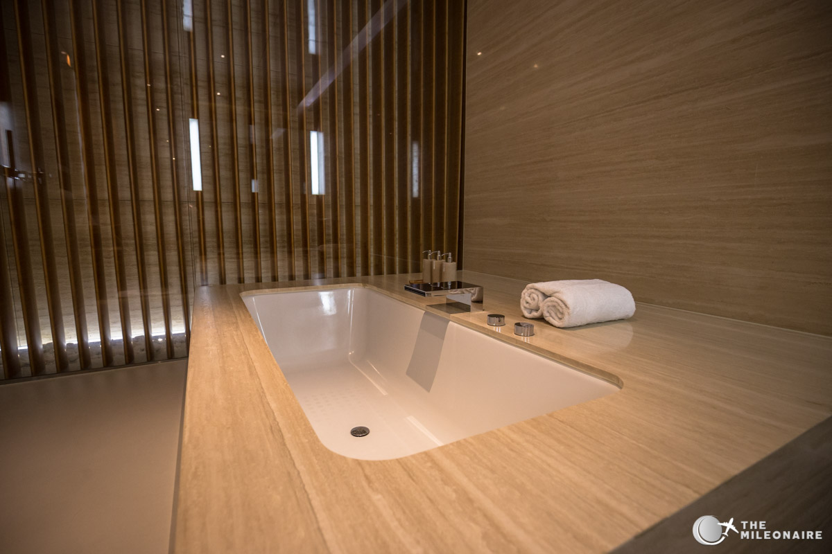 bathtub cabana hkg