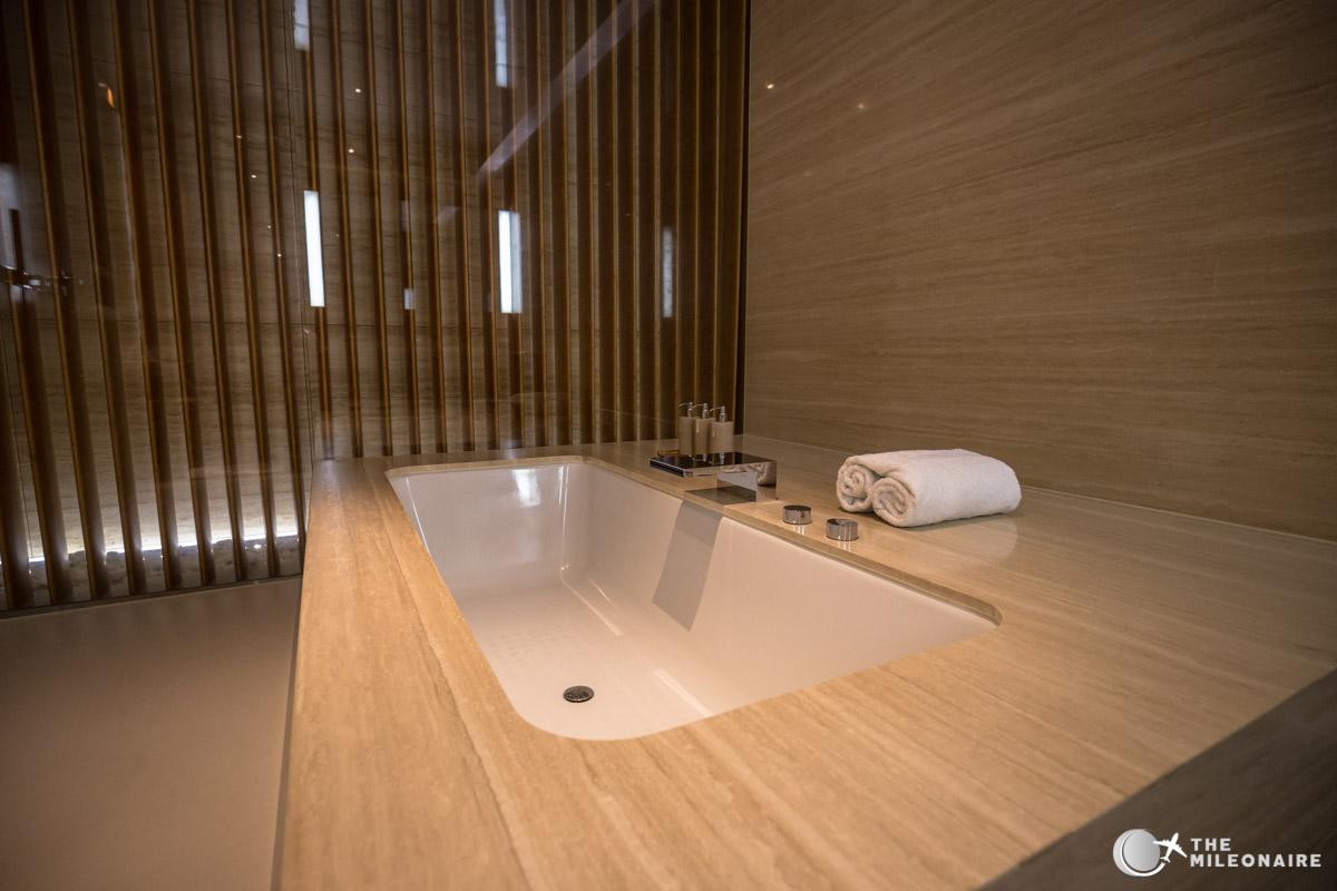 bathtub cabana hkg