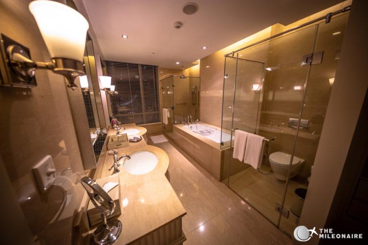 bathroom oriental residence bangkok