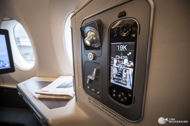 bedienung cathay business class