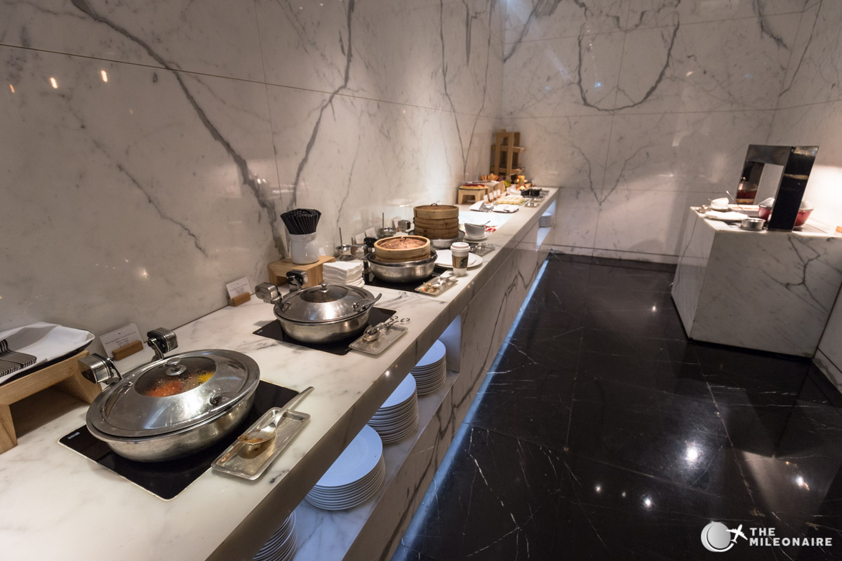 cathay pacific lounge buffet