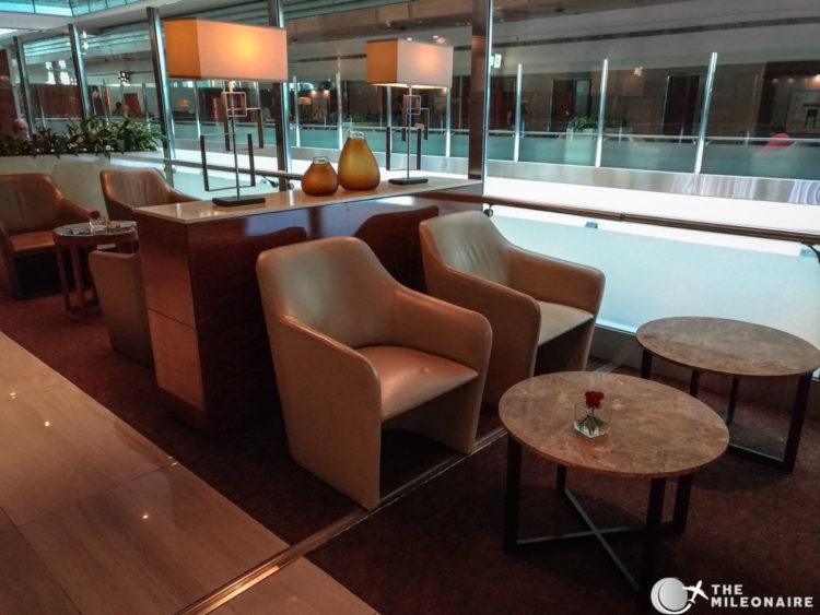 emirates business class lounge dubai seating