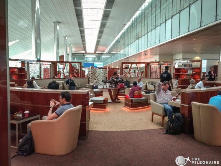emirates business lounge dubai seating