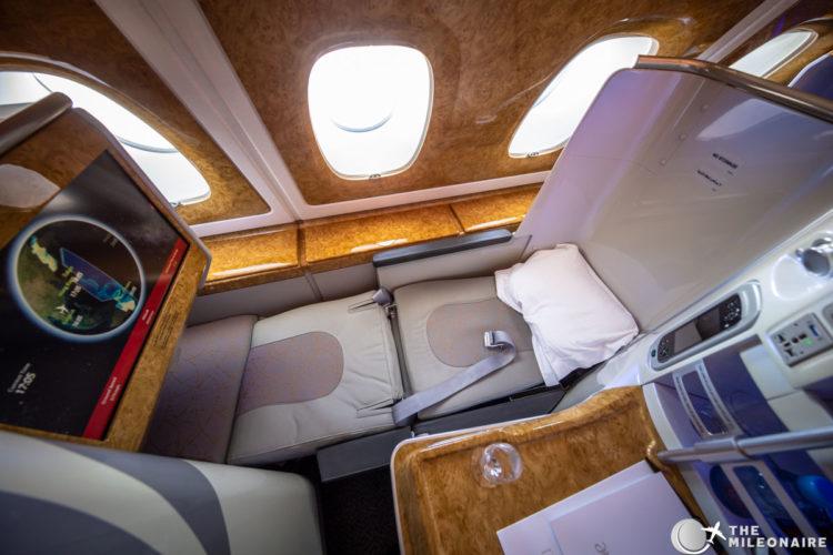 emirates lie flat seat