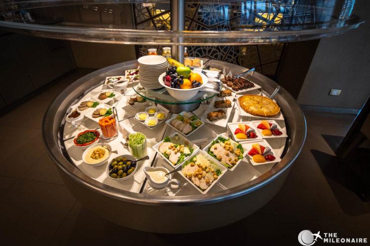emirates lounge bangkok food