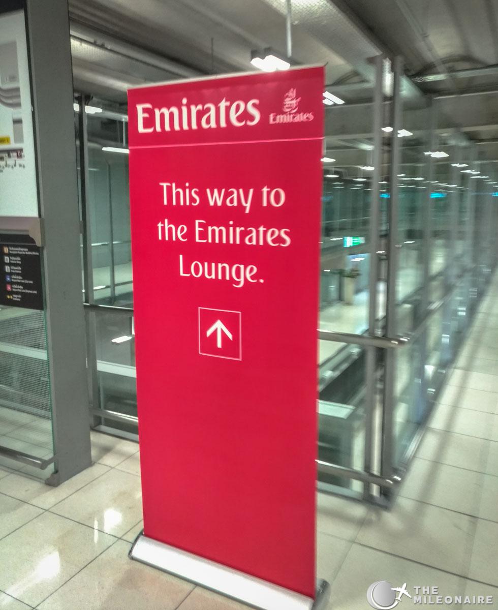 emirates lounge bangkok location