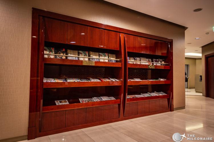 emirates lounge cdg magazines
