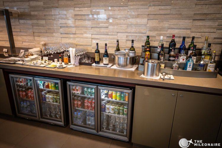 emirates lounge drinks