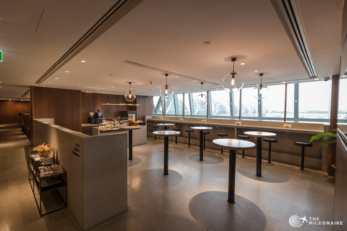 Cathay Pacific Lounge Bangkok: Review - The Mileonaire | Travelling ...