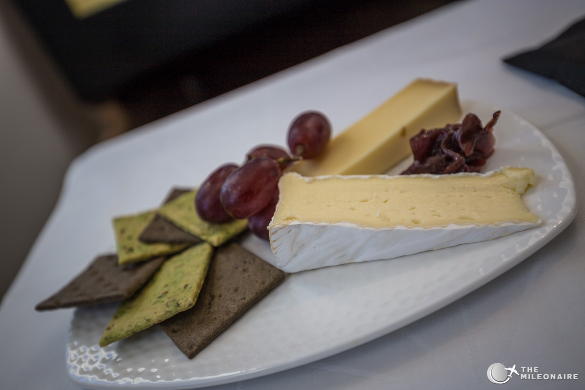 etihad business cheese plate