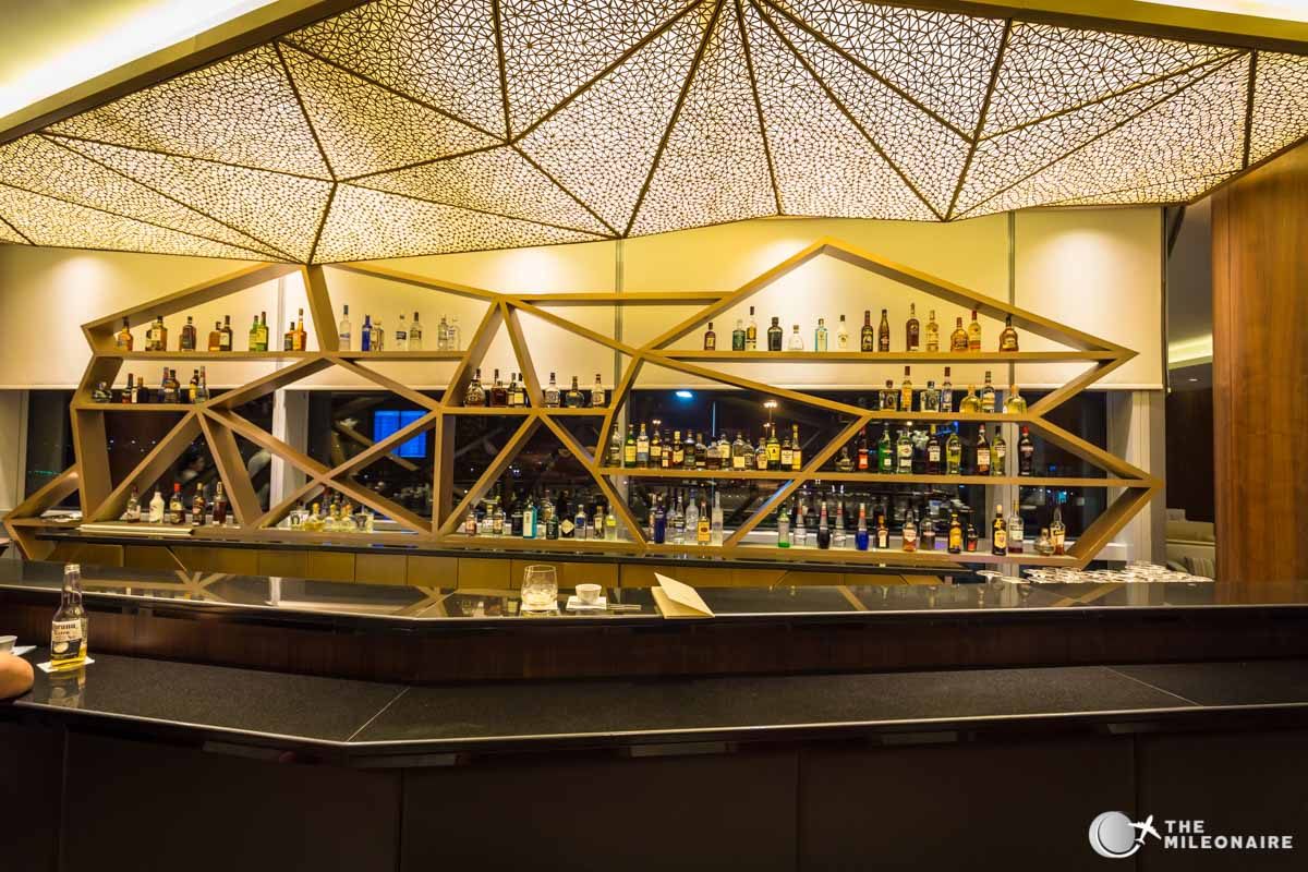 etihad first class lounge bar