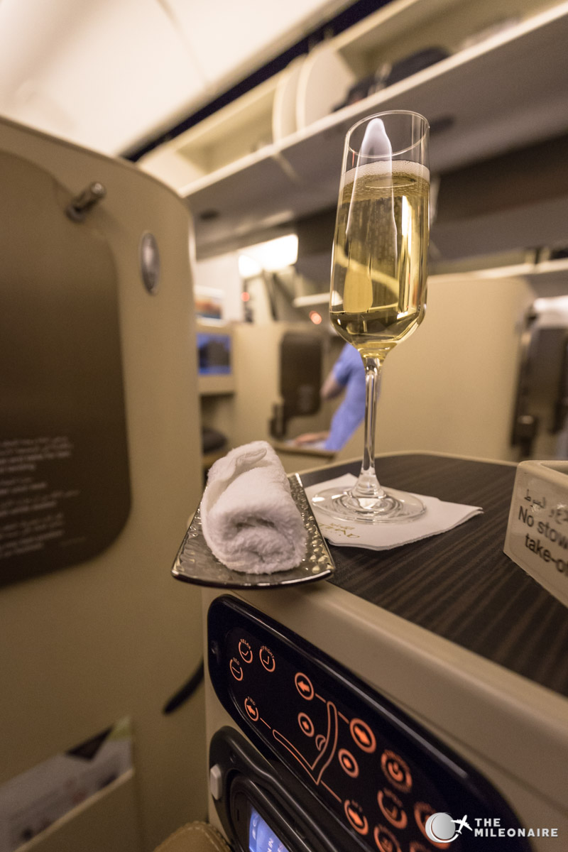 hot towel etihad