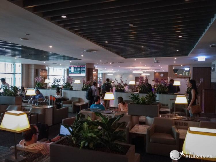 sats lounge sin terminal2