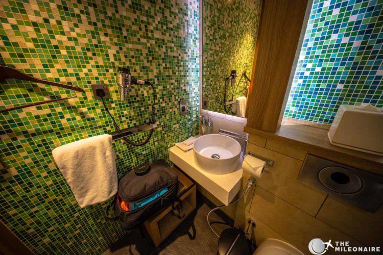 shower cabin abu dhabi lounge