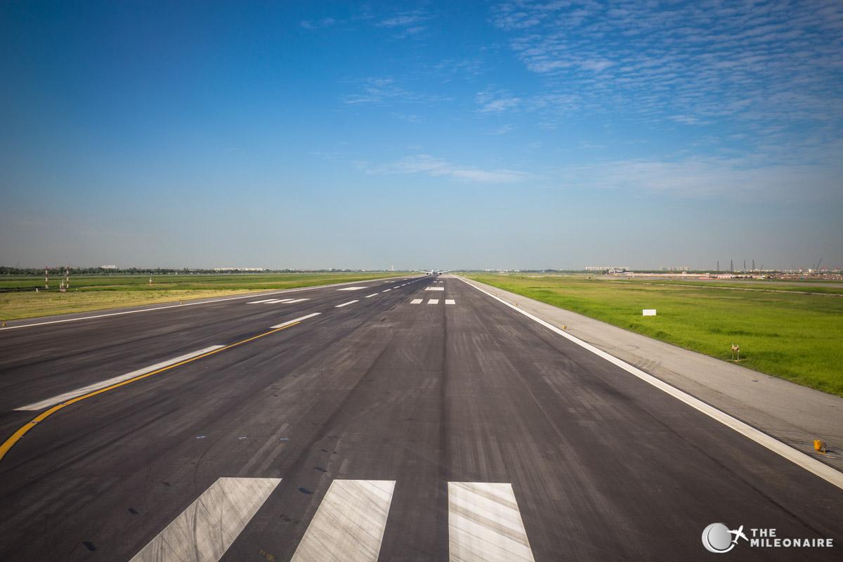 startbahn flughafen bangkok